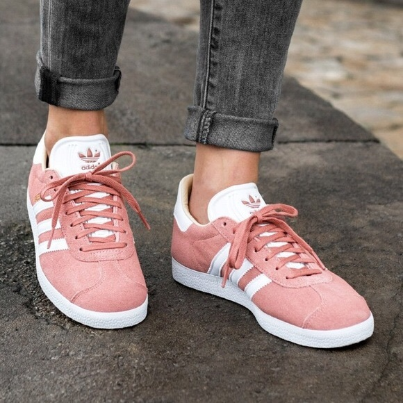 authorized site on feet at purchase cheap Women's Adidas Gazelle Pink